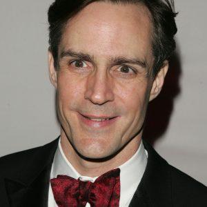 Howard McGillin